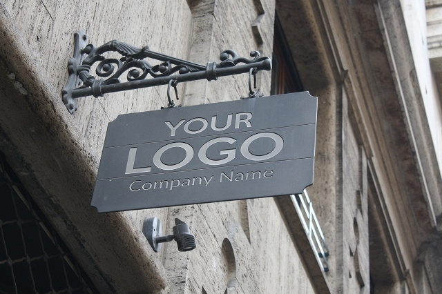 Logo Mockup Exterior Sign